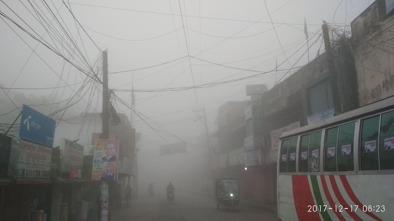 দোহার-নবাবগঞ্জে ঘন কুয়াশার রাজত্ব