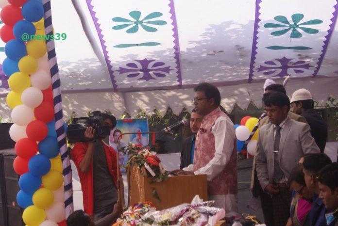 পনিরুজ্জামান তরুন