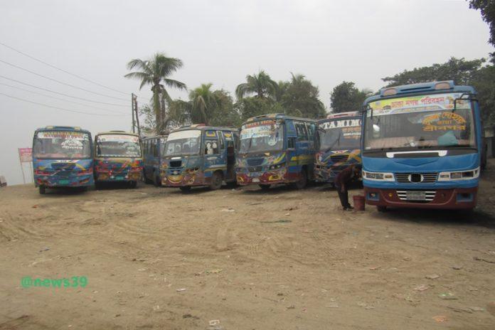 দোহার-নবাবগঞ্জে বাস চলাচল সীমিত