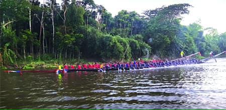 ইছামতি নদীতে বর্ণিল নৌকাবাইচ
