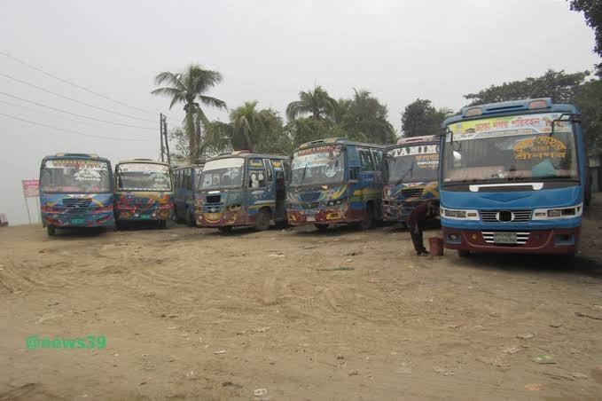 দোহার নবাবগঞ্জে চলছে গণপরিবহন