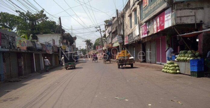 দোহারে সরকার ঘোষিত কঠোর লকডাউন পালিত হচ্ছে