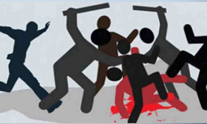 চোর সন্দেহে নবাবগঞ্জে গণপিটুনিতে নারী নিহত